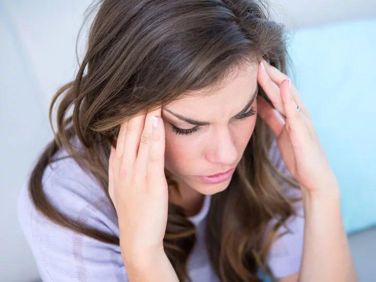 Раздражительность, выпадение волос и еще 3 неожиданных последствия дефицита железа в организме